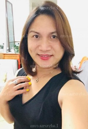Yesmina escorte trans massage